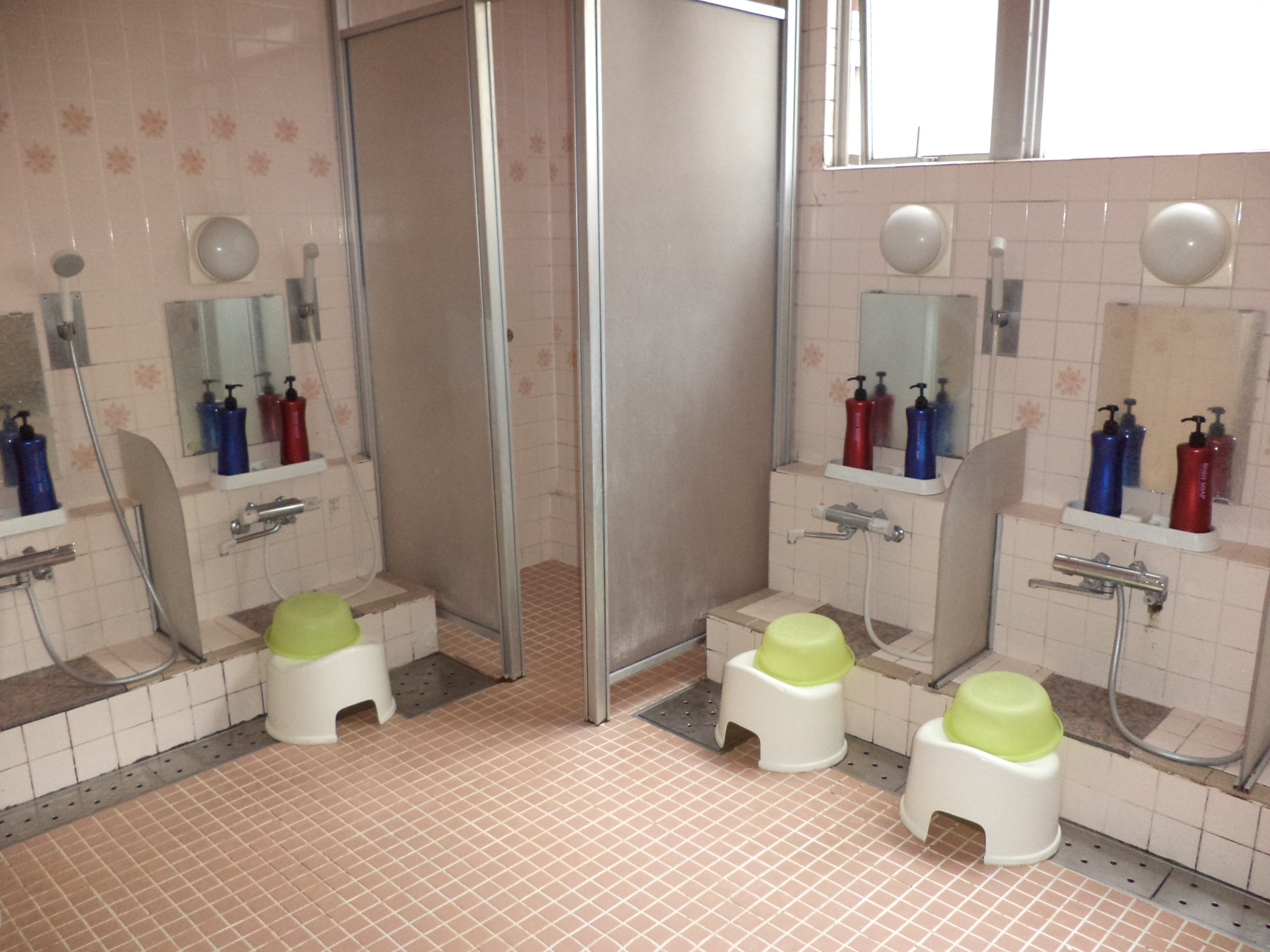4 budget friendly hostels in japan our journey his glory for Y hotel shared bathroom