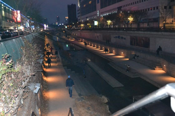 Cheonggyecheon Stream in Dongdaemun