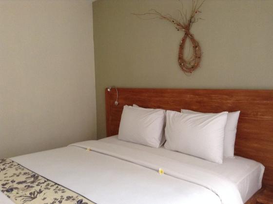 Room 1 of Arana Suites Family Room