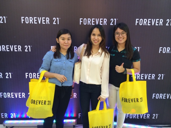 Jell (sister), Joy (me) and Princess (cousin) after an hour of shopping