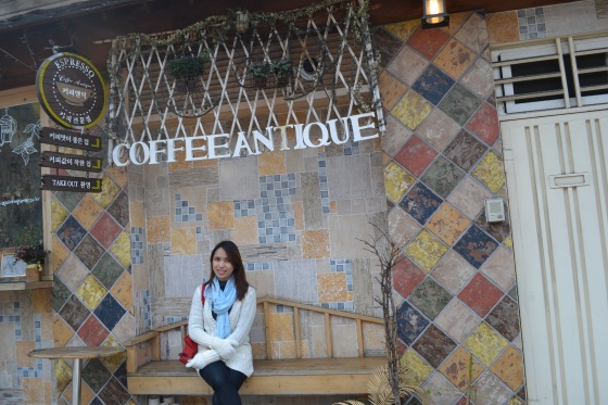 Stopped by at this quaint Coffee Antique at Seoul, South Korea