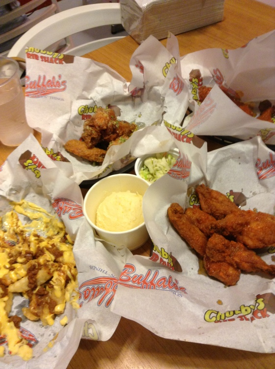 Mexican and American street food at Buffalo Wings & Things, Commerce Center